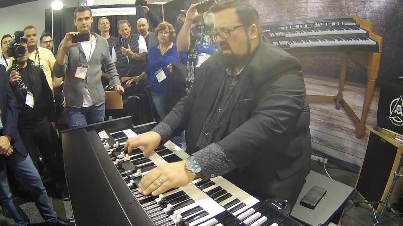 NAMM 2018 Joey DeFrancesco plays One Hundred Ways on Viscount Legend Organ