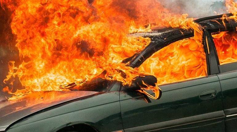 Брестчанин забрал машину после ремонта, и она сгорела  на следующий день