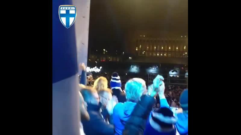 Вся Финляндия радуется первому в истории выходу сборной на Евро