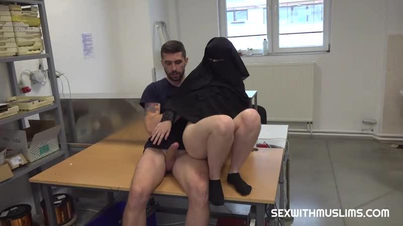 Muslim Darling Gets Rod In Her Cunt Izzy Dark ( Sex With Muslims Porn CZ), Hijab, Türbanlı, Хиджаб,