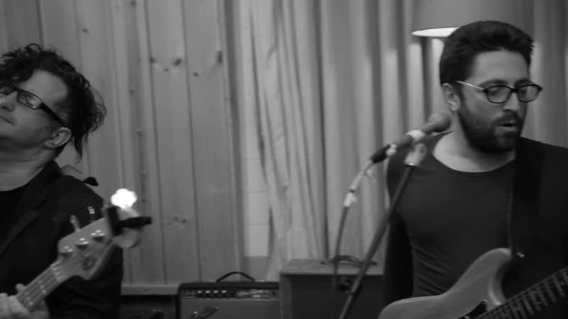 Mad Meg Когда Твоя Девушка Больна фривольный кавер песни группы Кино