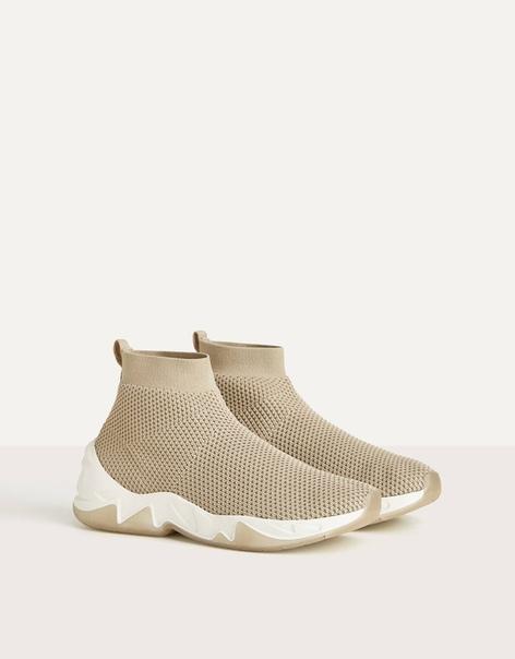 Высокие эластичные кроссовки