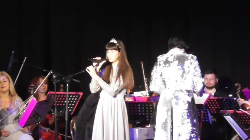 "Raisandra ( 12 ani ) - Concertul "" Ninge cu iubire """