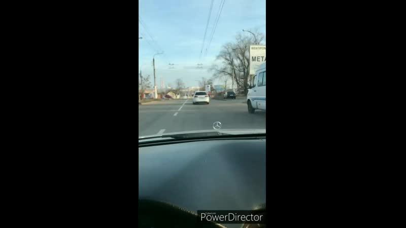 Mercedes Benz vs wolksvagen 7