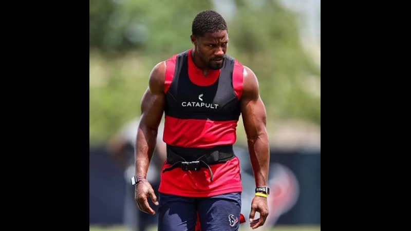 """@davidjohnson31 says he likes the pressure of being traded for DeAndre Hopkins Makes me wanna compete more"""" 😤"""