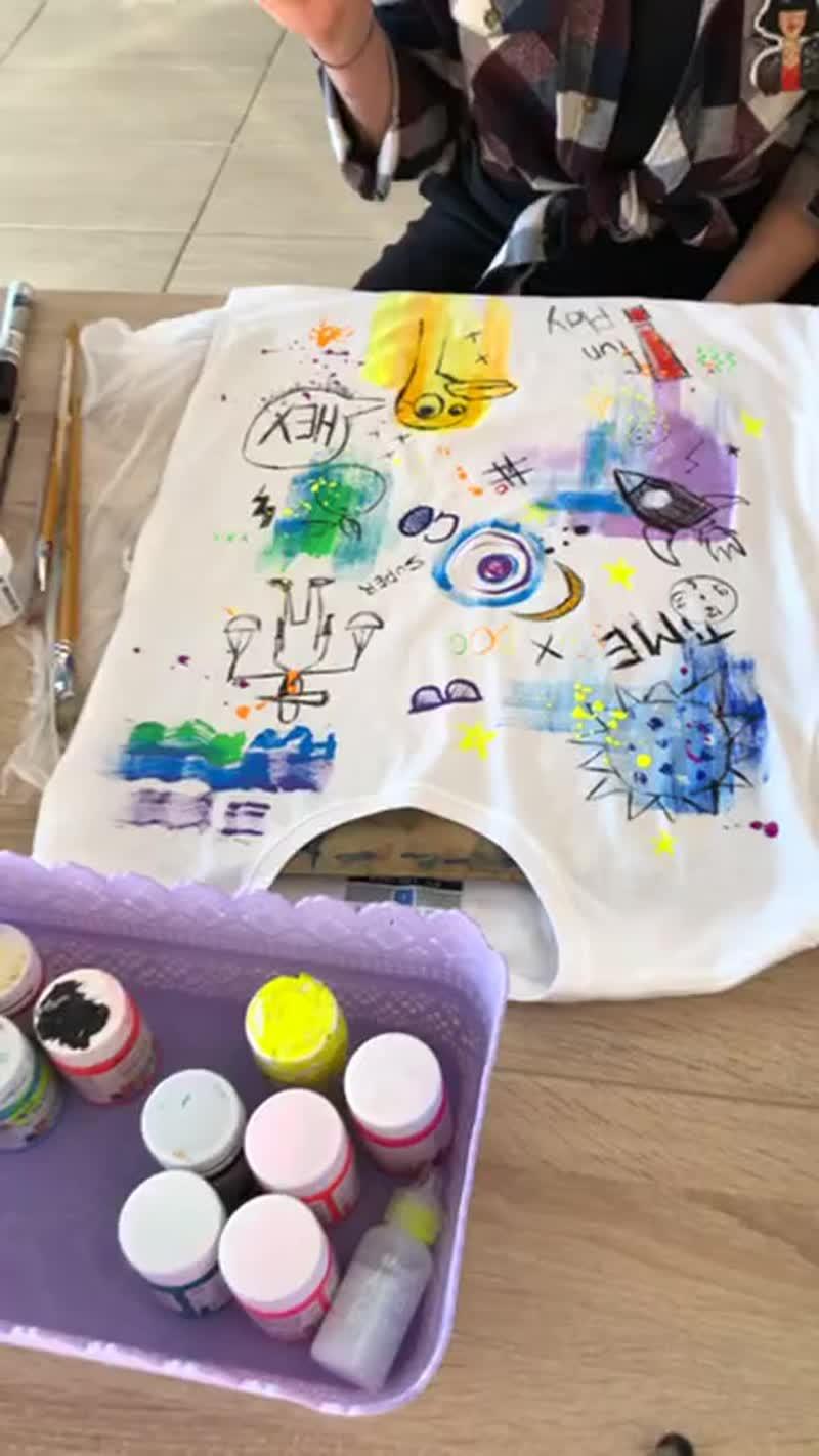 Мастер-класс по рисованию на белой футболке