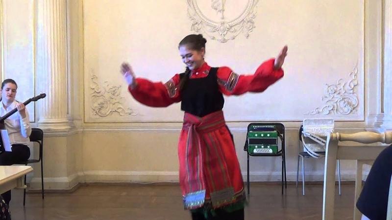 Вероника Курбанмамадова - Двор, широк двор