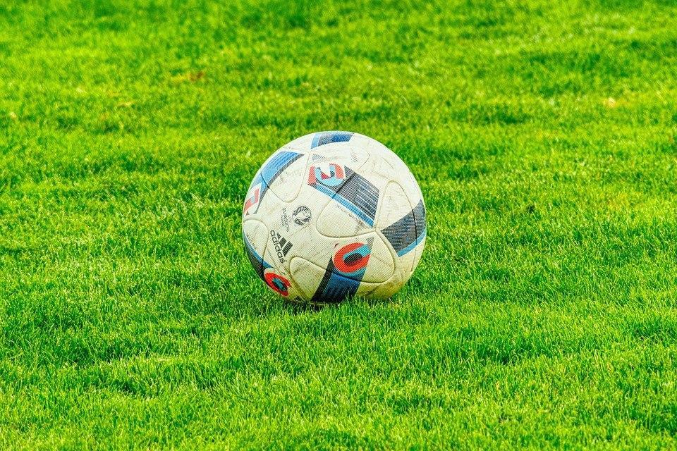 О наборе детей в секцию футбола объявили в спортшколе на 2-й Вольской