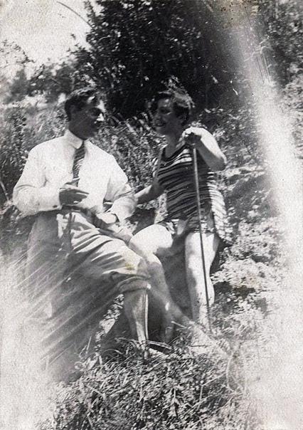 Иосиф Неизвестный и Белла Дижур. 1920-е. Фото из архива ХМЭН.