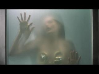 Rebecca Romijn, Rie Rasmussen Nude - Femme Fatale (CH 2002) 720p