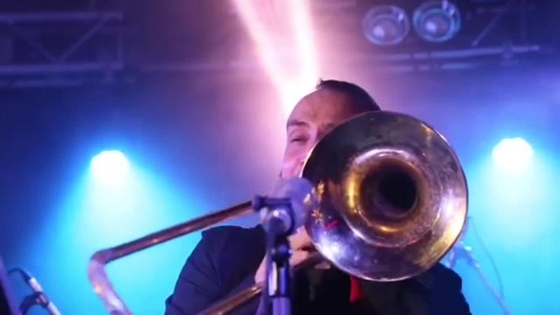 Соло лучшего в Москве тромбониста Дмитрия Толпегова.⠀Уже через несколько дней 7.05 в 20.00 в @ kozlovclub будет играть лучш