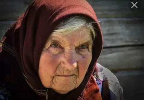 Злое сердце. Дом у бабы Любы был еще довольно крепкий и стоял почти в центре села Соловьи. Никто не помнил, когда она здесь поселилась, все соседи были намного ее моложе. Но жила она всегда