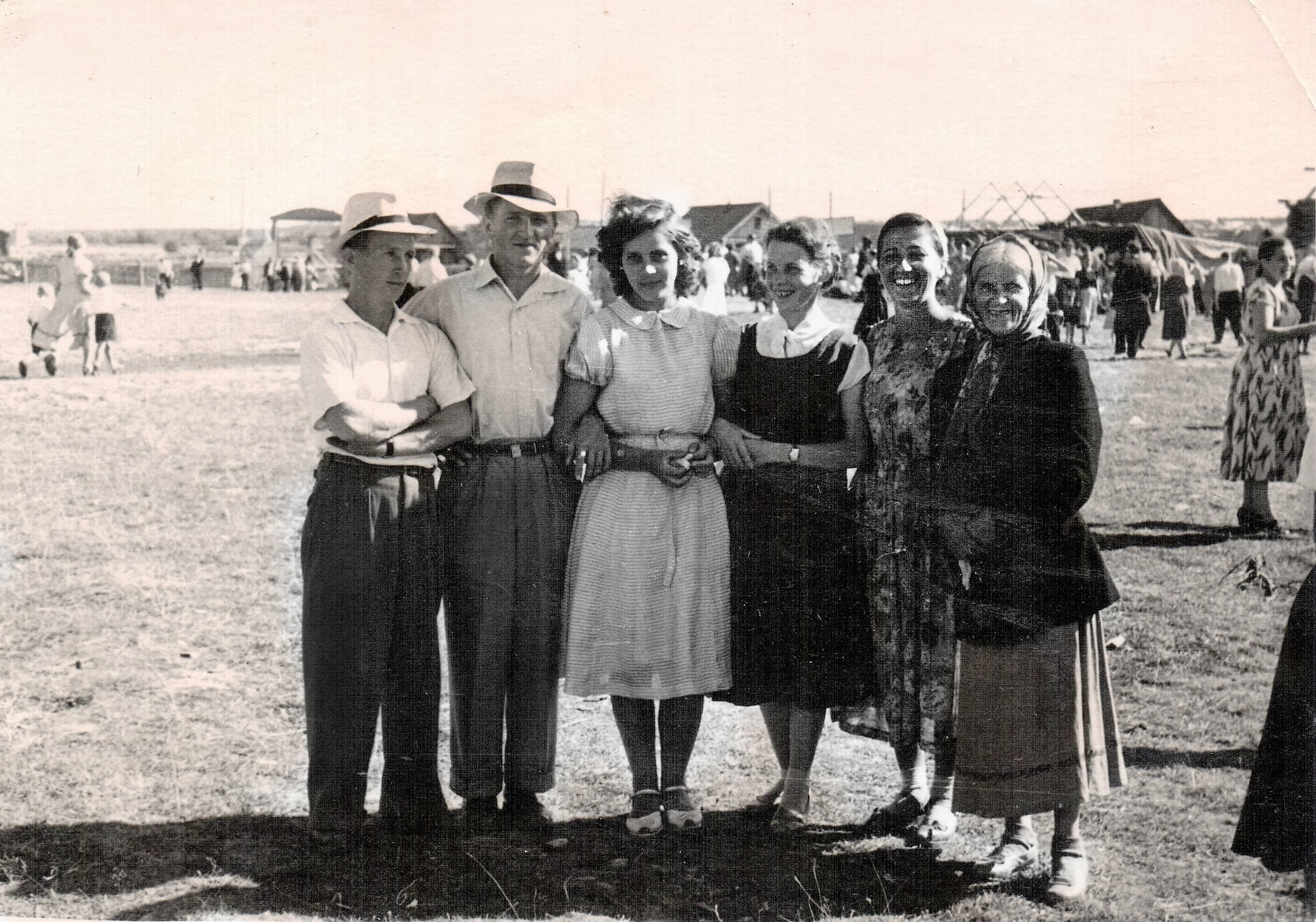 Август 1957-го года, День железнодорожника на стадионе