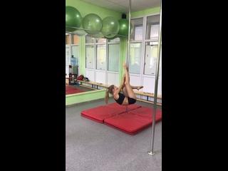"Студия спортивных танцев и фитнеса ""ТанцPole"" kullanıcısından video"