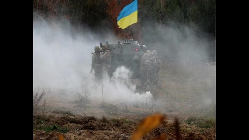 Воины ВСУ подняли украинский флаг на блиндаж оккупантов у ДНРовцев паника .