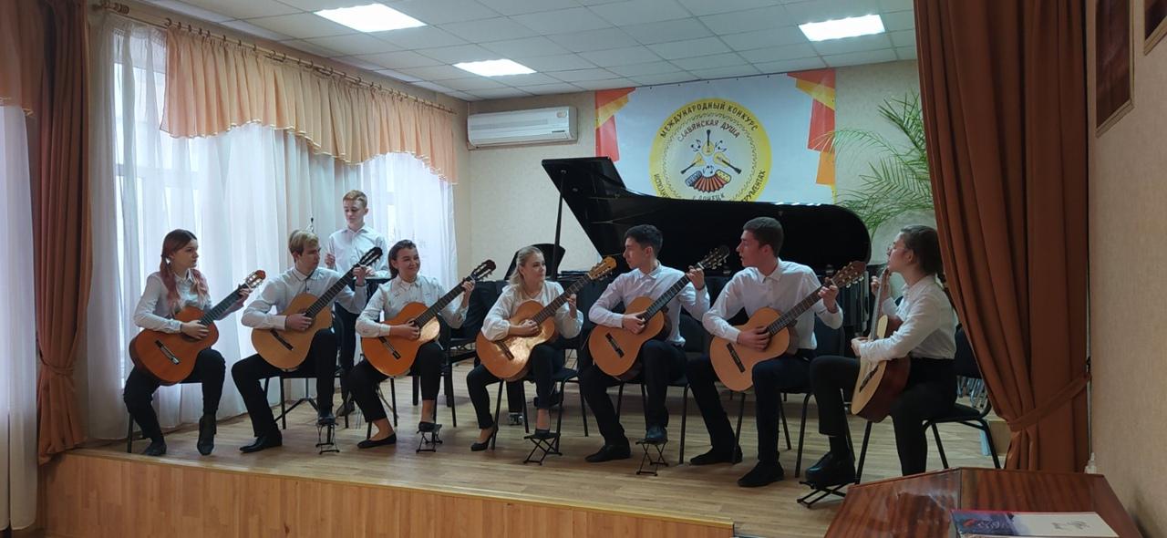 В Донецке завершены прослушивания участников конкурса исполнителей на народных инструментах «Славянская душа»