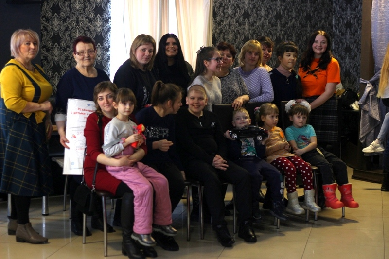Петровские скауты организовали творческий мастер-класс для воспитанников Центра социального обслуживания населения Петровского района
