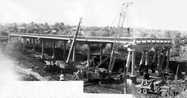 #Сызрань #Ностальгия  Строительство моста через Крымзу, 1...
