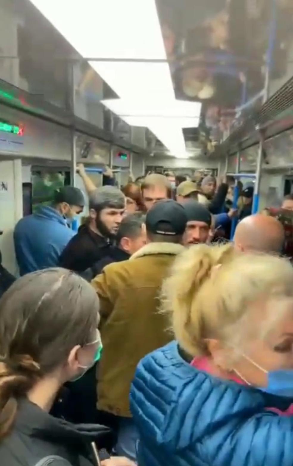 Очередной конфликт произошел в московском метро.