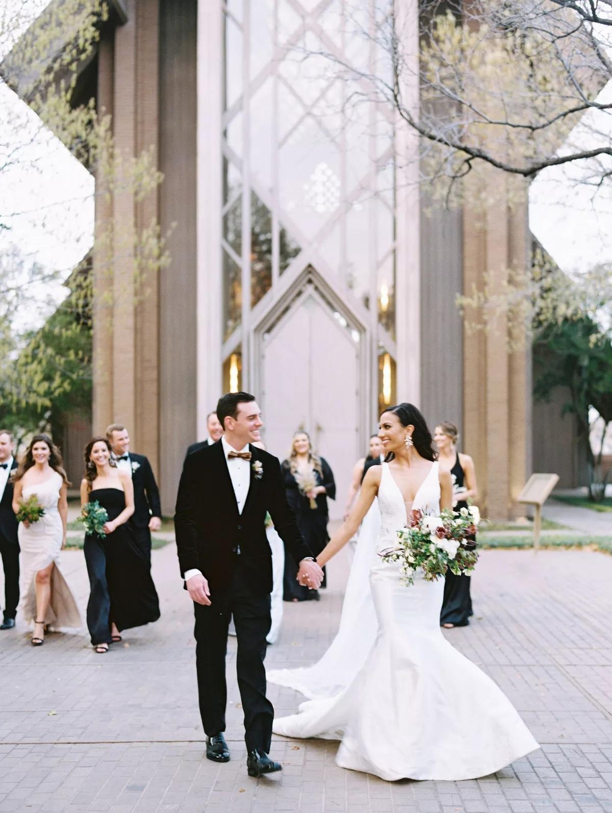 29EmLImQgEk - Как найти веселого ведущего на свою свадьбу