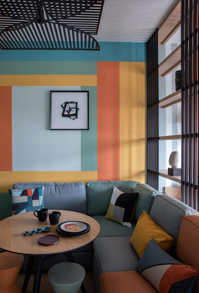 Яркий дизайн квартиры 34 кв.