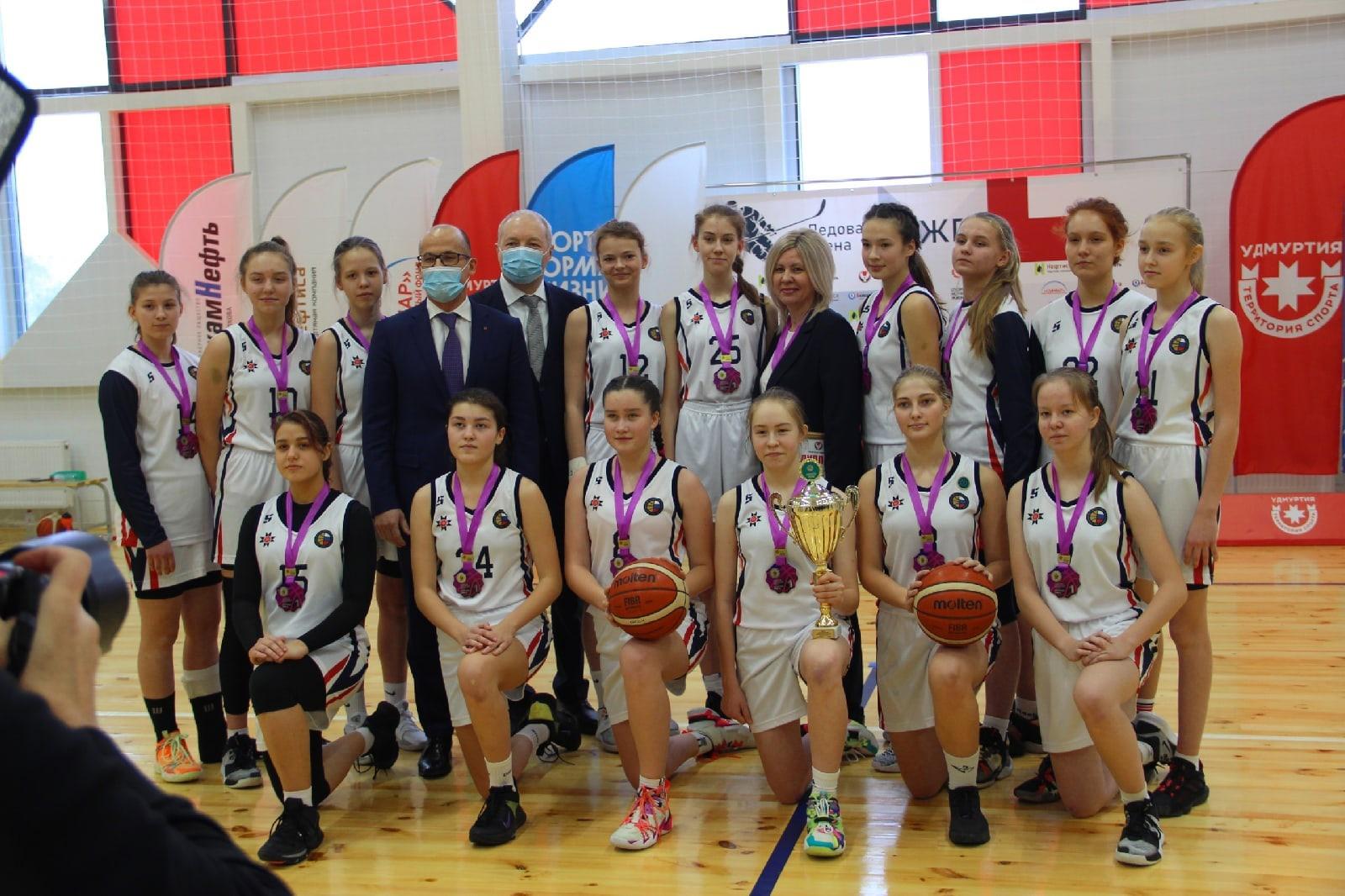 Можгинские баскетболисты едут на Первенство России!