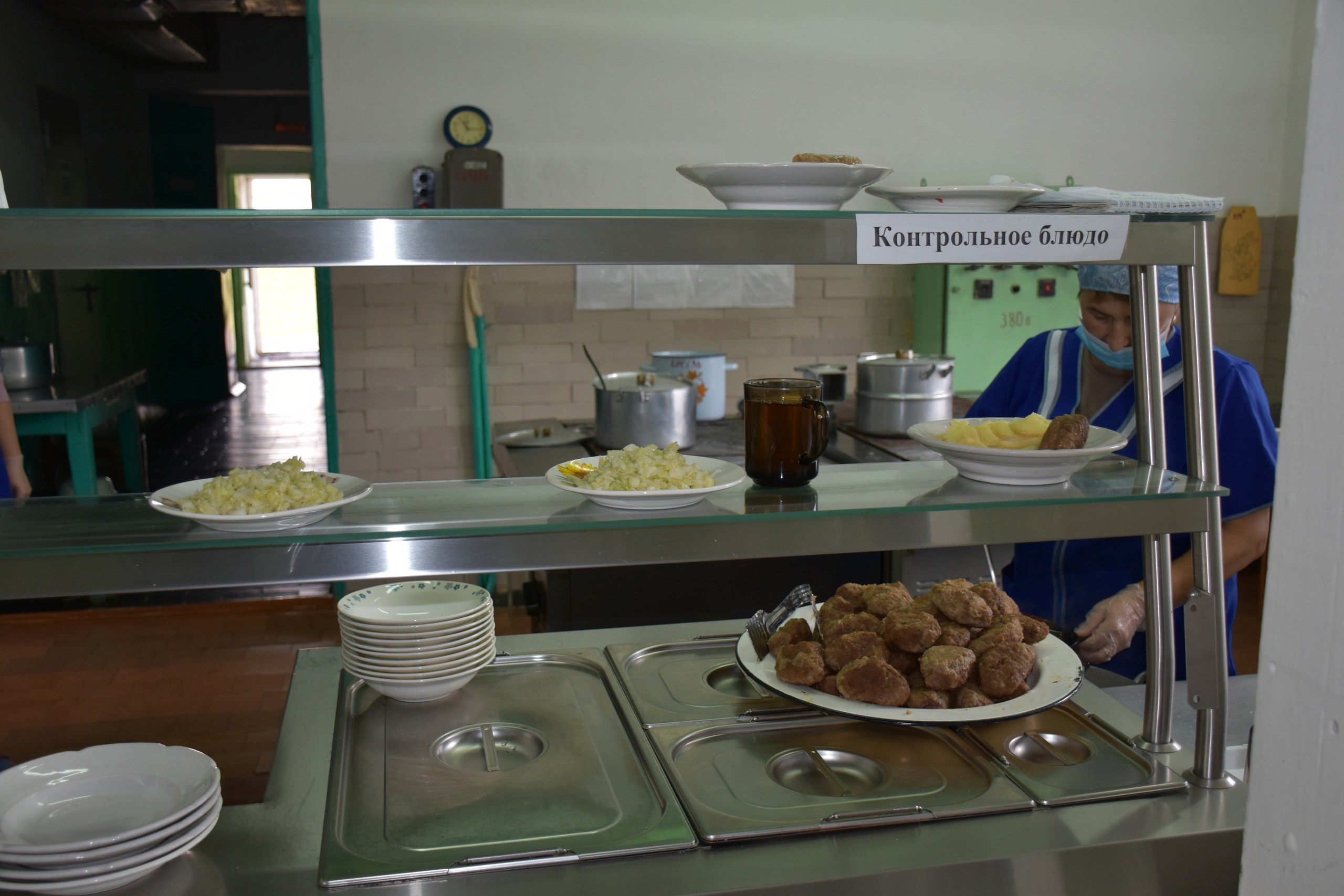 🍲В Можгинском районе горячее питание школьников находится