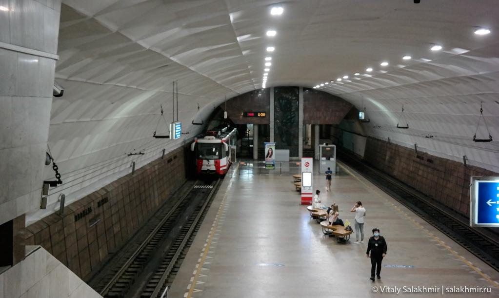 Станция скоростного трамвая, площадь Ленина