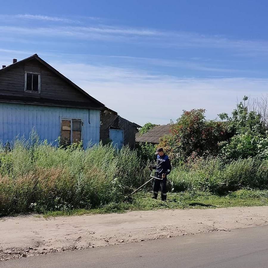 Городская коммунальная служба Петровска в плановом режиме проводит работы по благоустройству города