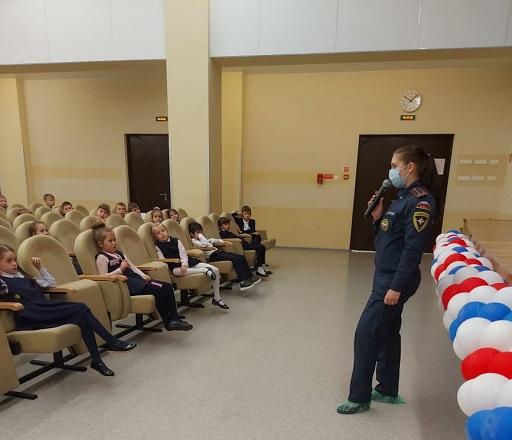 Сегодня инспектор отдела надзорной деятельности и профилактической работы Всеволожского района, провела