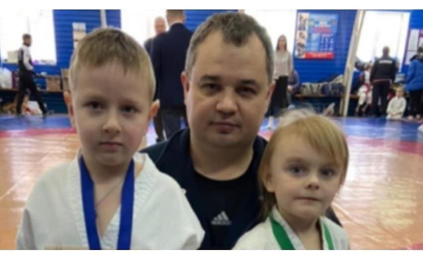 Самые юные каратисты Петровска выступили на первенстве Саратова по всестилевому карате