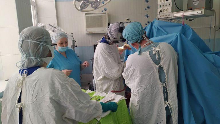 В Удмуртии врачи-нейрохирурги провели сложнейшую операцию на