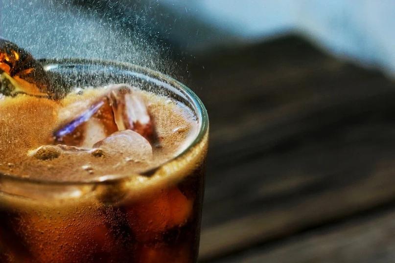 Доктор назвал самый опасный для здоровья напиток