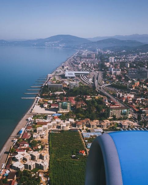 В этом сезоне в Сочи заработают 30 зимних пляжей.  Пляжи расположены на Приморской набережной в Центральном... Сочи