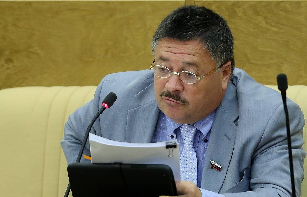 В Госдуме предложили выдавать российским семьям по 50 000 рублей на детей