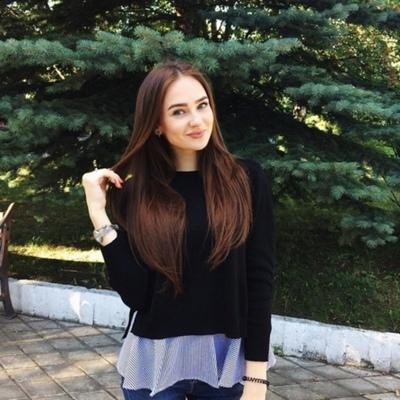 Елизавета Максимова, Москва