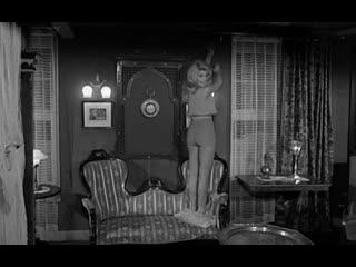 1964 - Очаровательная идиотка / Une ravissante idiote