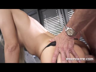 Florane Russell - Anal At The Office [Anal, Big Tits, Blowjob, Deepthroat, Gonzo, Milf]