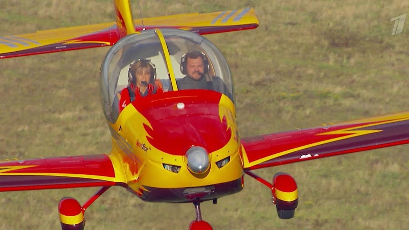Пилотажная группа Первый полет поставила рекорд исполнила петлю Нестерова 11 раз подряд