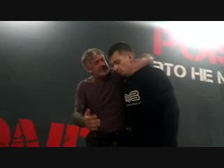БИЕО. Urban Combatives Lee Morrison Chin Rip
