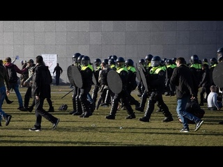 Pays-Bas : manifestations massives à La Haye à la veille des élections législatives